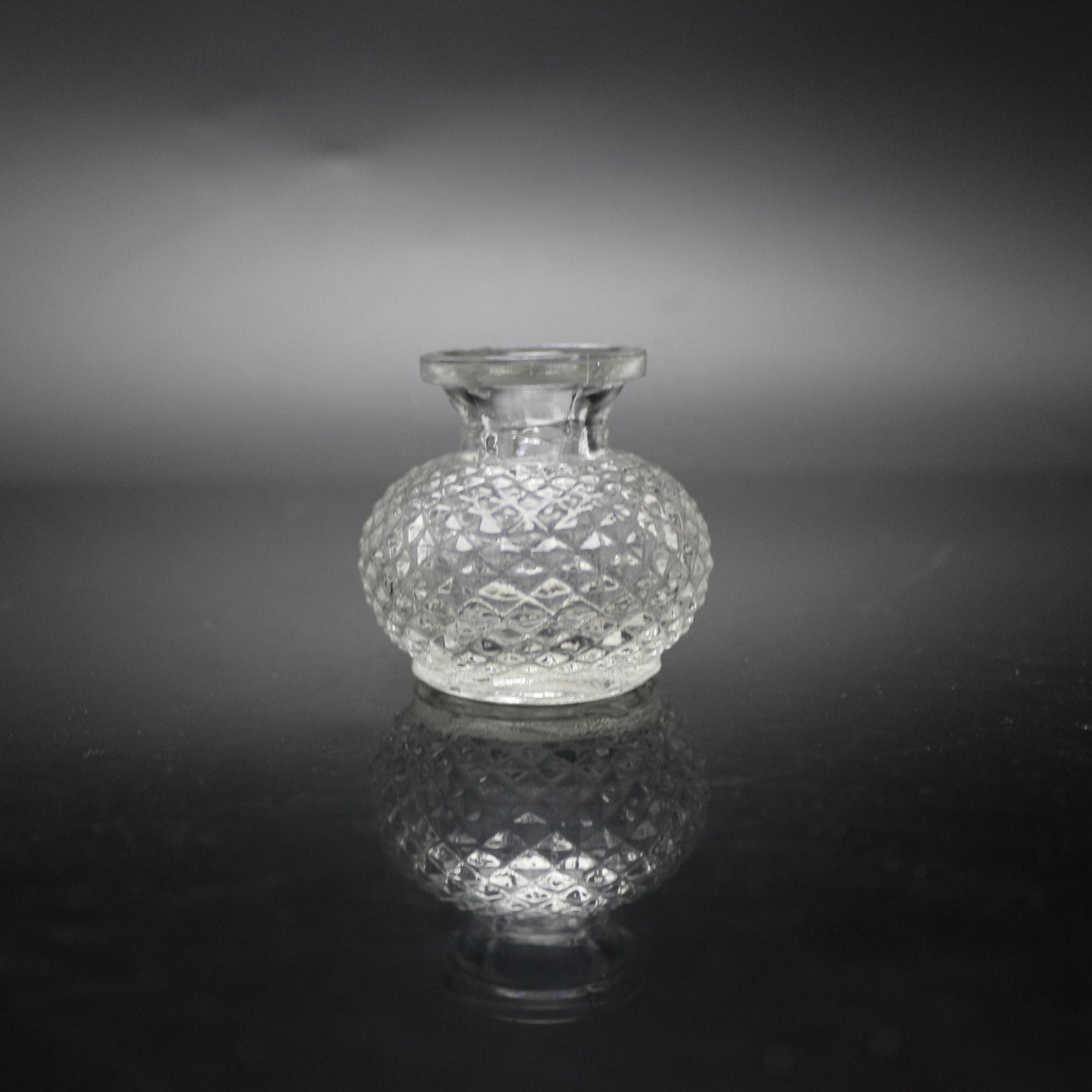 Home air freshener bottle glass diffuser bottle 30ml embossing